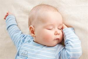Baby 4 Monate Schlaf Tagsüber : 5 tips for getting your baby to sleep better wattlehealth ~ Frokenaadalensverden.com Haus und Dekorationen