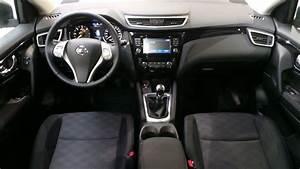 Interieur Nissan Qashqai : nissan qashqai 1 6 dci 130ch connect edition euro6 occasion lyon neuville sur sa ne rh ne ora7 ~ Medecine-chirurgie-esthetiques.com Avis de Voitures