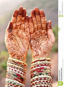 Henna Hands And Bangles Royalty Free Stock Photo - Image ...