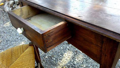bureau ancien ancien bureau rustique poignee porcelaine chaise ronce de
