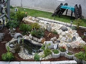 Kleiner Bachlauf Garten : kleiner gartenteich mit bachlauf ~ Michelbontemps.com Haus und Dekorationen