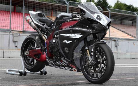World's Best Trackday Yamaha R1?
