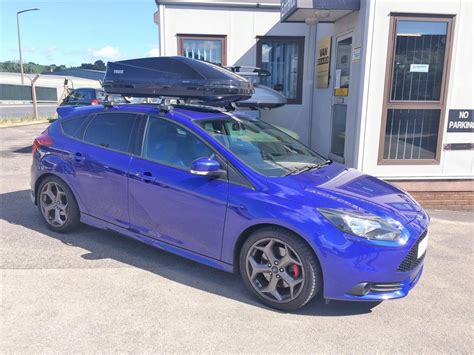ford focus st thule touring  roof box