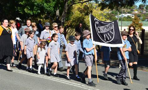 anzac day in junee 2016 photos southern cross 404 | r0 241 4928 3264 w1200 h678 fmax