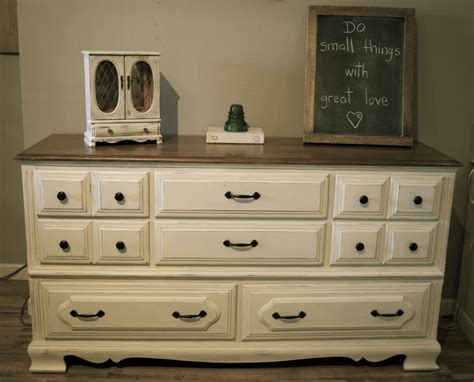 Distressed Off White Bedroom Furniture