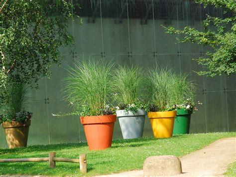 Pot Terrasse Haut by 5 Astuces Pour Apporter Facilement De La Couleur Au Jardin
