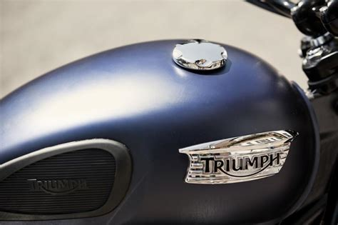 triumph scrambler shows  colors  price