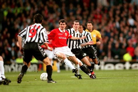 21 Memorable, Nostalgiatinged Photos Of Roy Keane On The