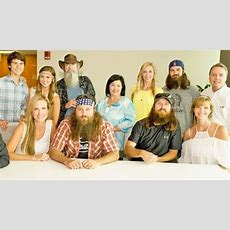 Duck Dynasty Family Member Masterfully Sings Elvis Presley's 'can't Help Falling In Love