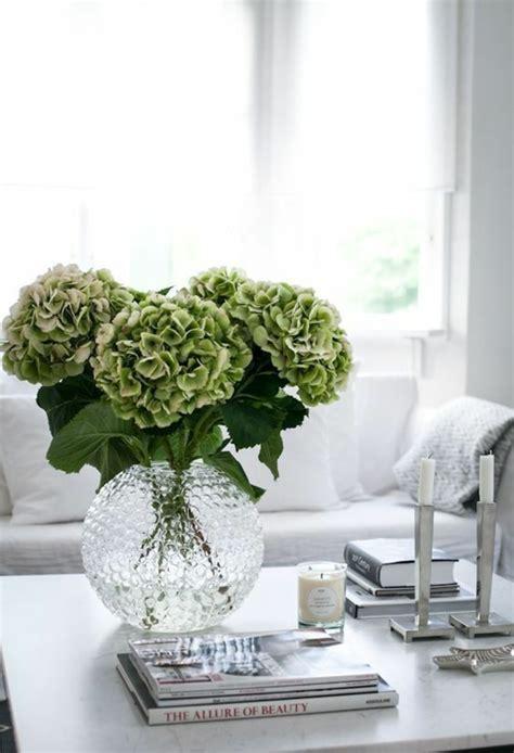 Frische Wanddekoration Mit Pflanzengreen Wall Plant Decor by 1001 Ideen F 252 R Tischdeko Wie Sie Den Tisch Mit Blumen