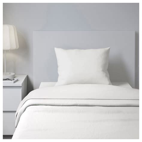 use white sheets and have a peaceful bedroom home and