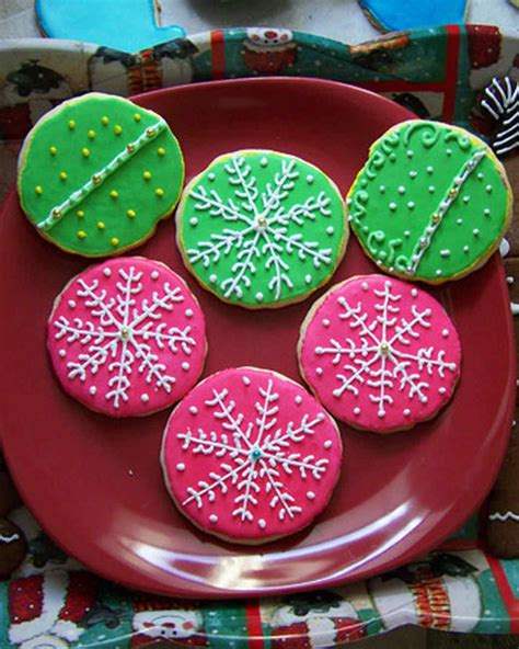The holidays seem to bring out the cookie baker, maker and decorator in so many of us. Your Best Decorated Cookies   Martha Stewart