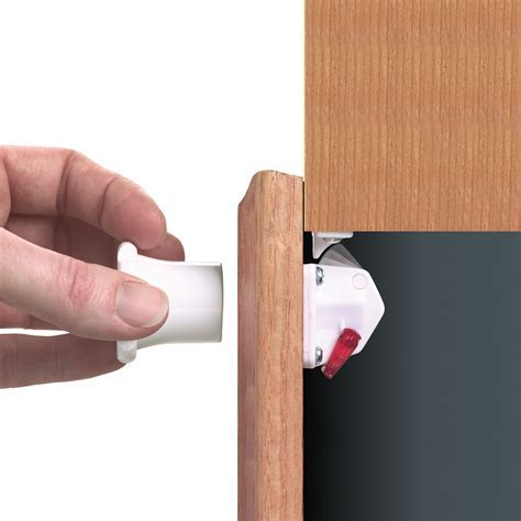 Dreambaby® Mag Lock? Magnetic Locking System