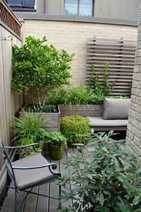petit jardin en ville 22 photos et conseil pratiques pour With amenagement d un petit jardin de ville 10 balcon en ville conseils pour un petit balcon avec