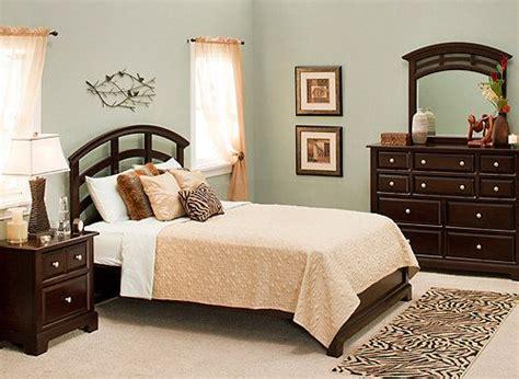 Horizon 4-pc. King Platform-look Bedroom Set