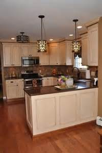kitchen ideas for medium kitchens 1000 ideas about medium kitchen on large baths place and small baths