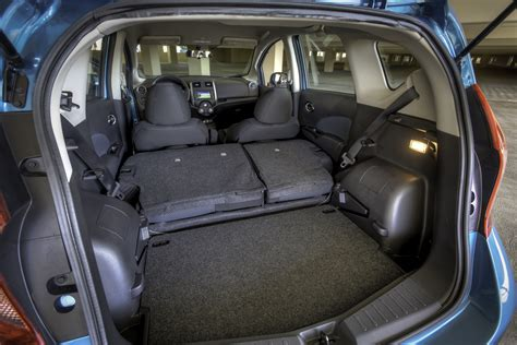 nissan versa note   carry    car family