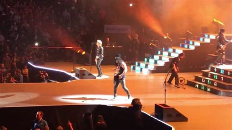 guns n roses quot it s so easy quot live at td garden in boston