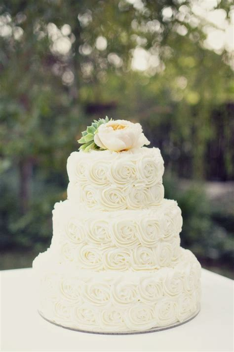 25 Best Ideas About Rosette Wedding Cakes On Pinterest