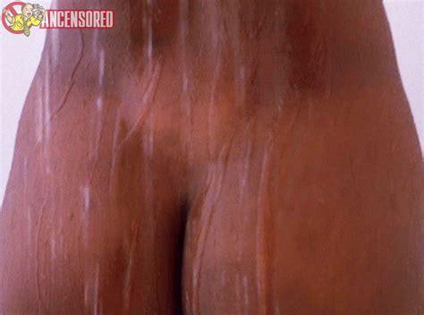 Naked Angela Bassett In Critters 4