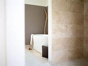 Fliesen Im Badezimmer : travertin fliesen medium verlegt im badezimmer ~ Sanjose-hotels-ca.com Haus und Dekorationen