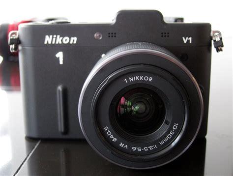 Nikon 1 V1 First Impressions Review