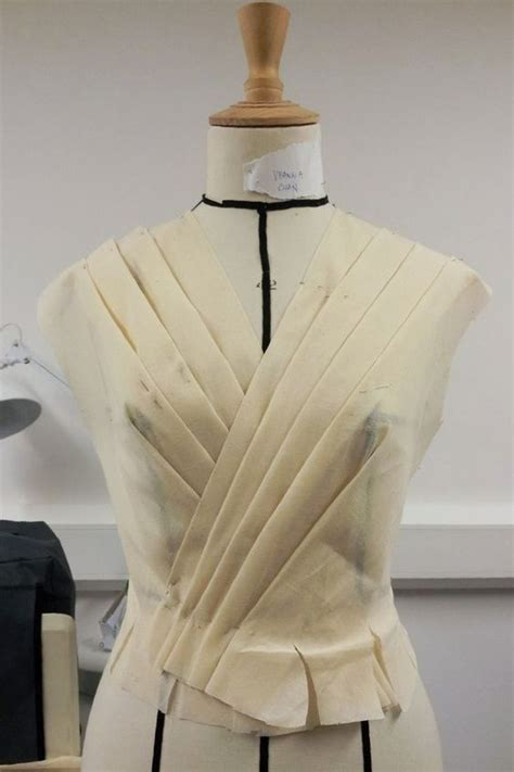 Draping Patterns - the stand draping and bodice on