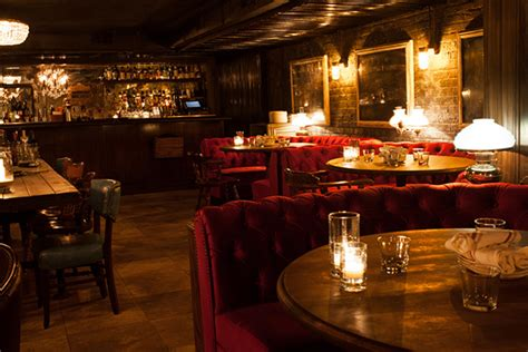 Chicago 7 Authentic Basement Bar Experiences • Thecoolist
