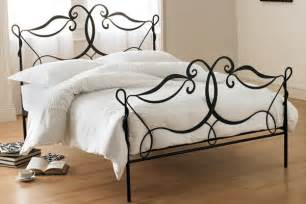 Shabby Chic Metal Headboard by Interior Design Tip For Those Lovers Of Shabby Chic