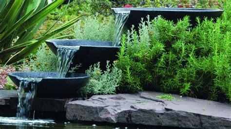 cuisine en zinc bassin fontaine cascade de jardin que choisir côté