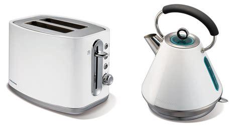 toaster und wasserkocher morphy richards elipta wasserkocher und toaster fr 252 hst 252 cksset im retro look