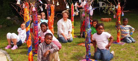 Lernfach Glück › Stiftung Kinderjahre
