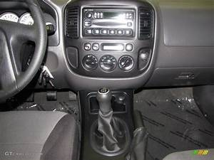 2005 Ford Escape Xls 4wd 5 Speed Manual Transmission Photo