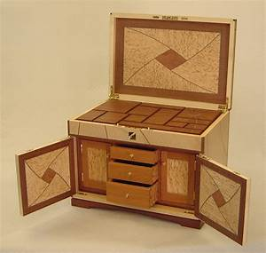 Bench Design : Hidden compartment jewelry box plans