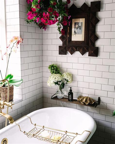 clary collection  instagram bathroom necessities