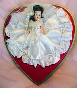 Vintage 1950s Whitmans Valentine Candy Box With Bride Doll
