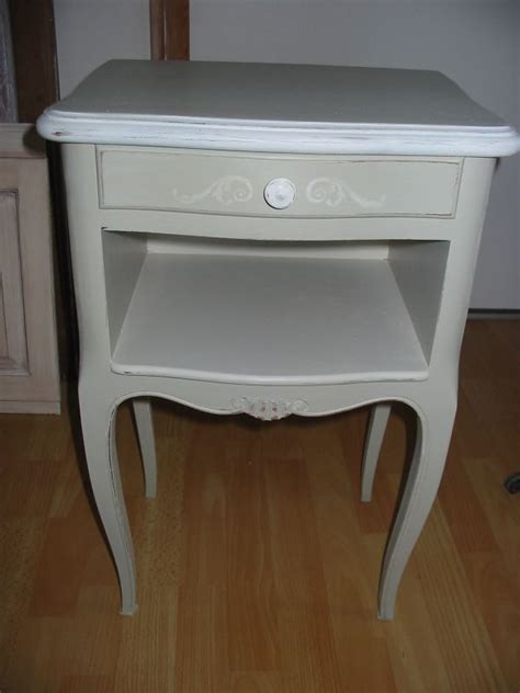 table de chevet a peindre table chevet patin 233 e ivoire et photo de meubles patin 233 s tendance peinture et patine