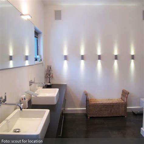 Roomido Badezimmer Modern by Wandstrahler Im Badezimmer Einrichtung Wandstrahler