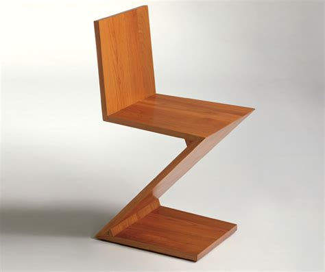 zig zag chair designed by gerrit rietveld oen