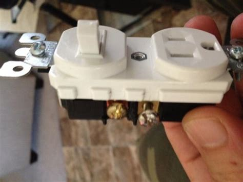 wiring   switchoutlet combo doityourselfcom