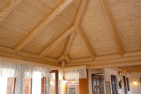 Natur Im Haus Mit Holzdecken Von Den Steirischen Holzbau