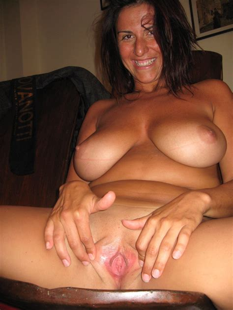 Awesome Homemade Amateur Pussy Spread Gallery