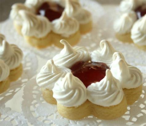 dessert a la meringue biscuit sabl 233 meringu 233 recettes p 226 tisserie orientale