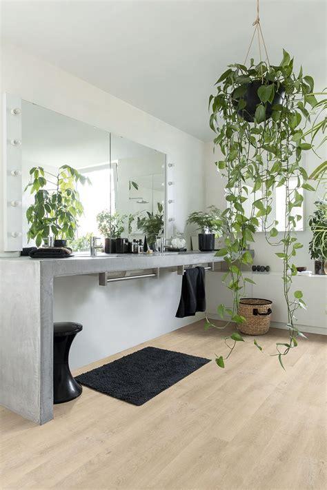 Quickstep Bathroom Laminate Flooring by Oak Laminate Flooring In Your Bathroom These Laminate