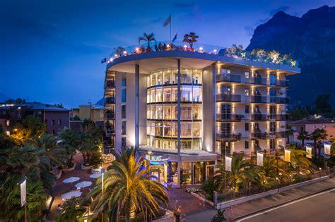 hotel kristal palace tonellihotels  riva del garda
