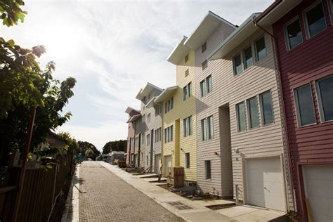 habitat  humanity builds oceanview homes curbed sf