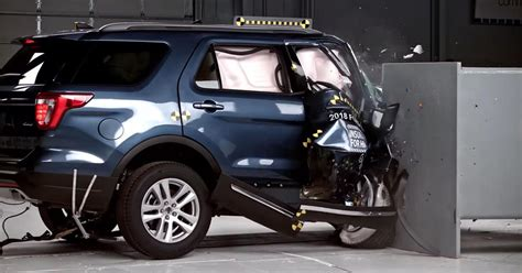 Mid Sized Suv by Mid Size Suvs All The Map In Iihs Passenger Side