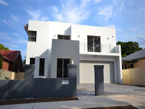 Outstanding Brand New Ultra Modern Full Brick Home