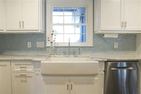 Tile Glass Backsplash : 3/4 Inch Curved Light Blue Glass Subway Tile