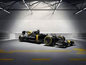 Garage Renault Paris : renault rs16 f1 car launch pictures f1 ~ Gottalentnigeria.com Avis de Voitures
